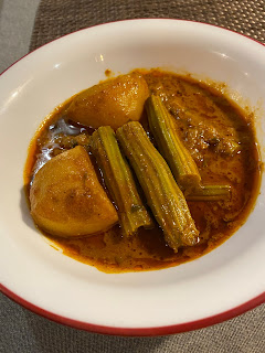 Potato And Drumstick Curry