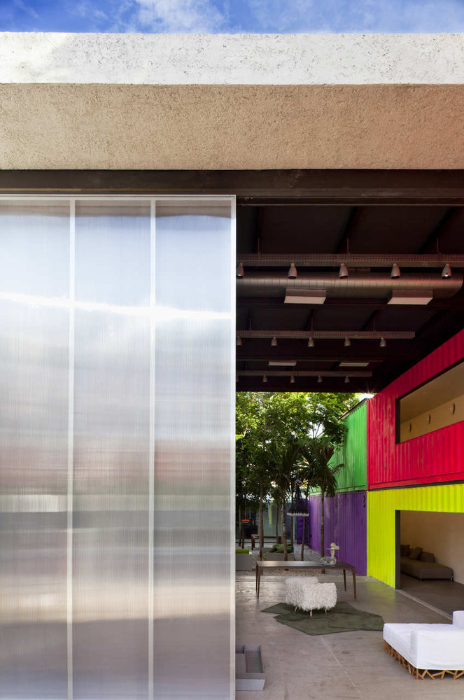 Decameron - Low Budget Colorful Shipping Container Store, Brazil 18