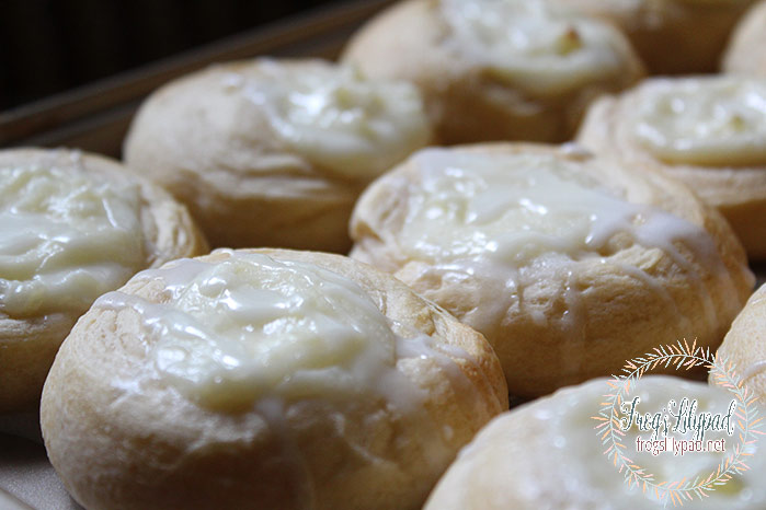 Quick and Easy Cream Cheese Danish made with crescent rolls. Can't get any quicker than that! Found at Frog's Lilypad.