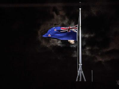 Duas mesquitas em Christchurch, terceira maior cidade da Nova Zelândia, sofreram ataques a tiros nesta sexta-feira (15).