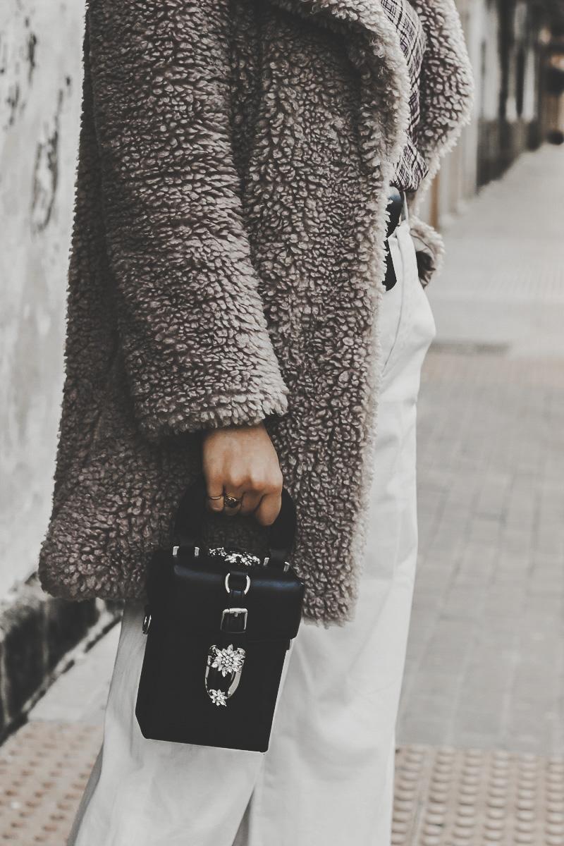 abrigo teddy gris