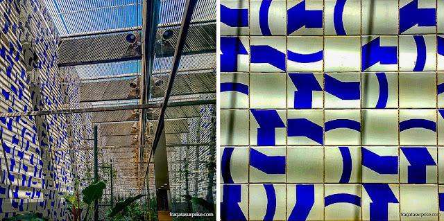 Painel de azulejos de Athos Bulcão no Salão Verde da Câmara dos Deputados