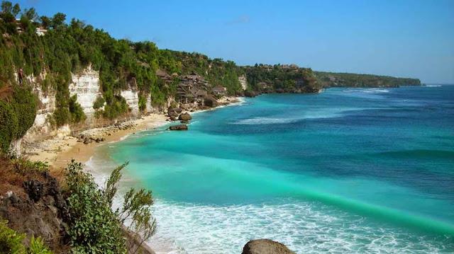 Pantai-Dreamland