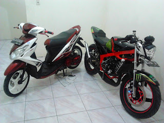 Yamaha Xeon 125 & Kawasaki Ninja 150R EVILution : Beauty and The Beast