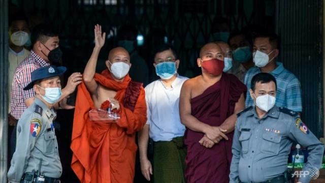 Junta Myanmar Bebaskan Biksu Anti-Muslim Ashin Wirathu
