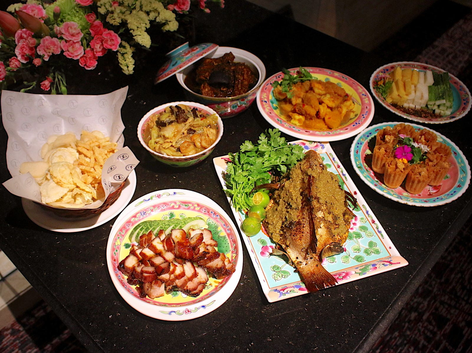 If You Love Indulging In A Good Peranakan Spread Might Like To Check Out The Dining Room And Shermay Lees Collaboration This Sixth Generation Nyonya