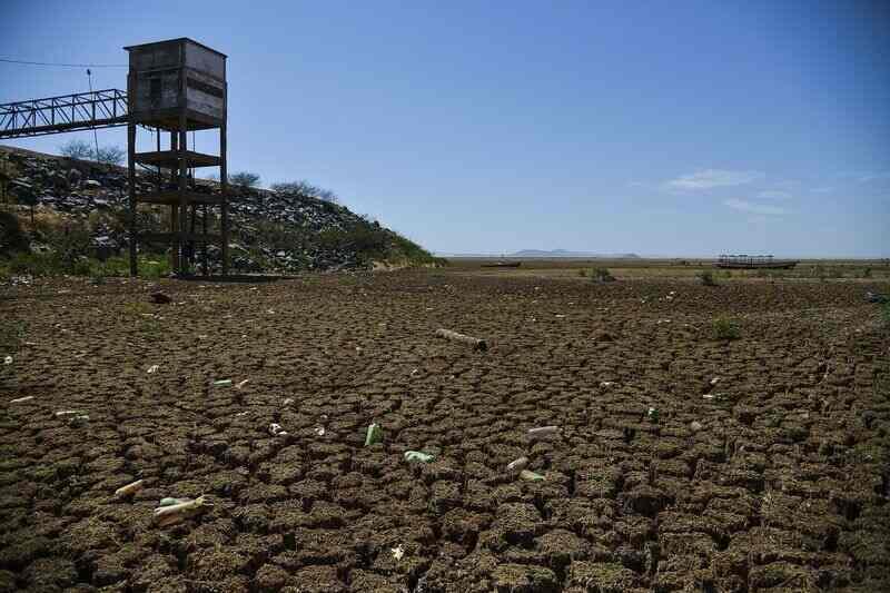 Câmara Municipal de Goiânia, estabelece a reutilização das águas provenientes das chuvas nas novas construções de prédios, condomínios fechados, conjuntos habitacionais, clubes e empresas de médio e grande porte na capital.