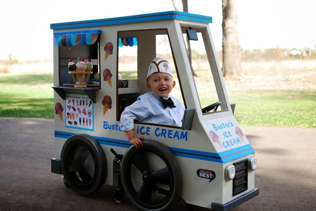 Disfraz de vendedor de helados silla de ruedasDisfraz de vendedor de helados silla de ruedas