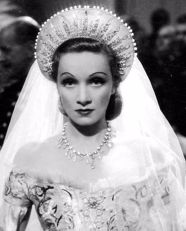 Wedding Dresses In Black 88 Stunning Marlene Dietrich