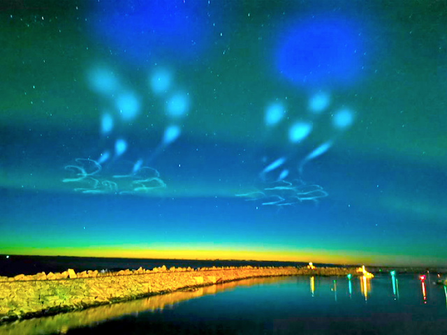 Update: Web Cam records an extraordinary sighting of a fleet of UFOs on Abisko Ovni%252C%2Bomni%252C%2BMUFON%252C%2B%25E7%259B%25AE%25E6%2592%2583%25E3%2580%2581%25E3%2582%25A8%25E3%2582%25A4%25E3%2583%25AA%25E3%2582%25A2%25E3%2583%25B3%252C%2B%2BUFO%252C%2BUFOs%252C%2Bsighting%252C%2Bsightings%252C%2Balien%252C%2Baliens%252C%2BET%252C%2Banomaly%252C%2Banomalies%252C%2Bancient%252C%2Barchaeology%252C%2Bastrobiology%252C%2Bpaleontology%252C%2Bwaarneming%252C%2Bvreemdelinge%252C%2Bstrange%252C%2Bhackers%252C%2Barea%2B51%252C%2BSweden%252C%2Baurora%252C%2B5