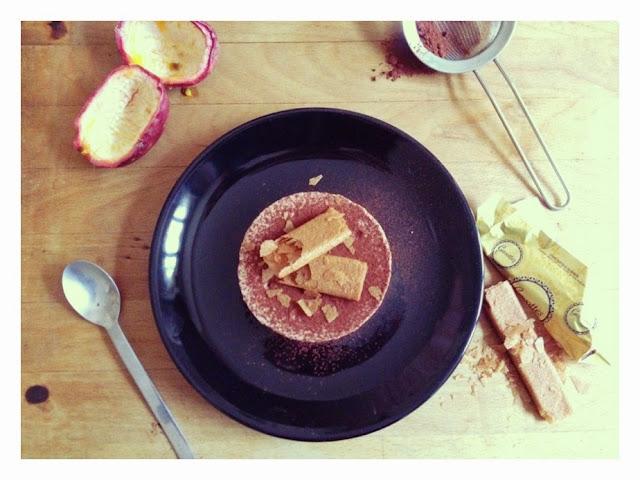 Mousse au chocolat, fruit de la passion, feuillantine