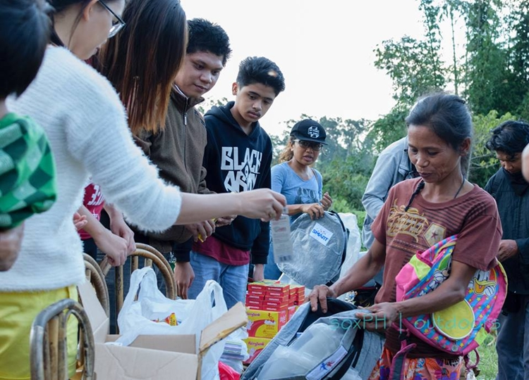 Tboli kids receive school, dental supplies