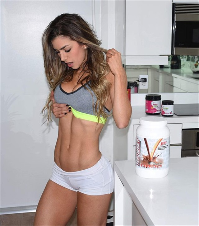 Colombian Instagram Queens Anllela Sagra 006