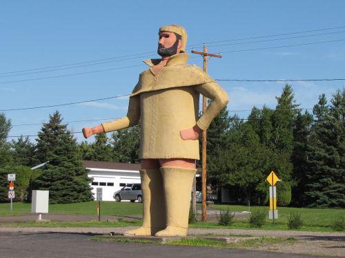 voyageur statue