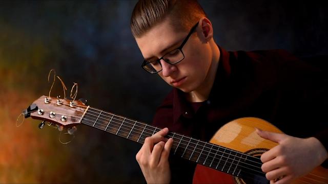 Profil dan Biodata Alexandr Misko | Gitaris Fingerstyle Modern