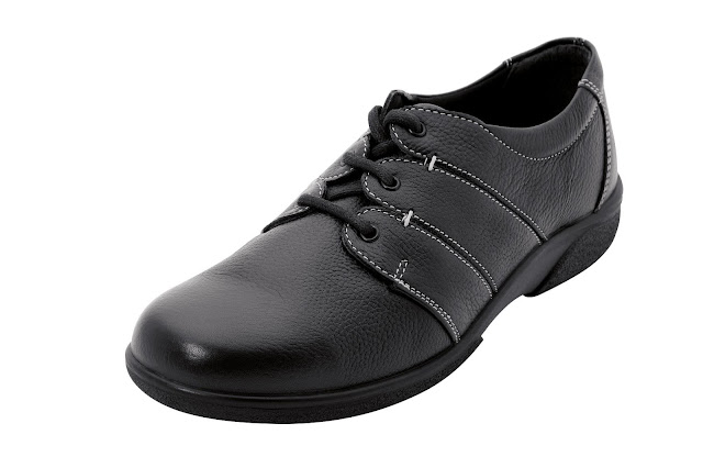 Kaffesoester's new black leather shoe