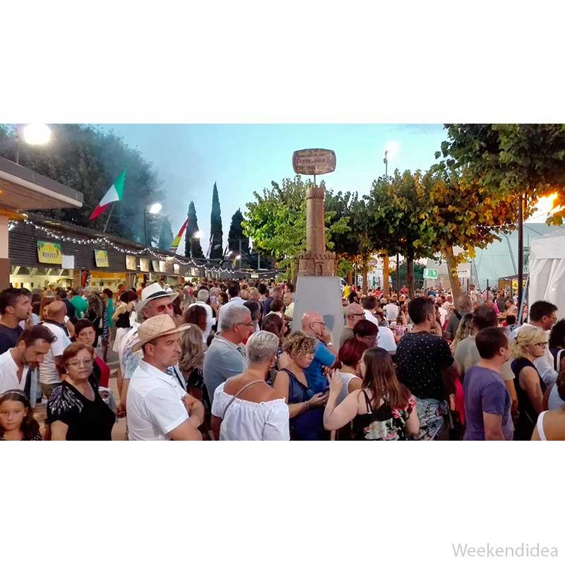 Calendario Titti Bianchi.Festa Del Vino Dal 10 Al 15 Agosto San Martino Della
