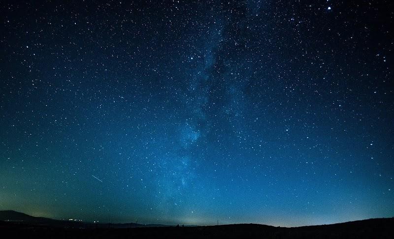 Memandang Langit Malam