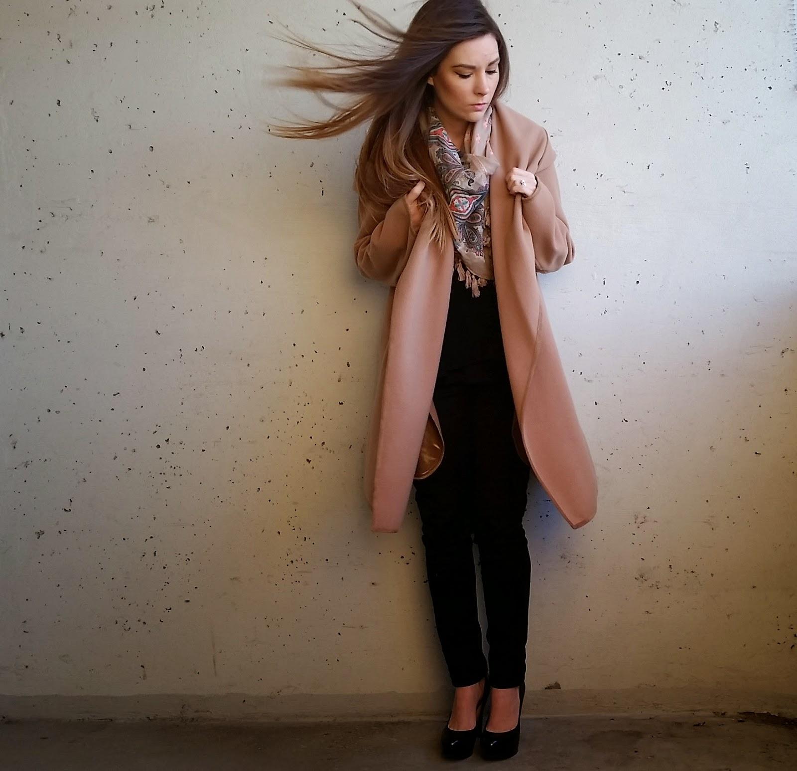 Camel coat, Black Skinny Jeans