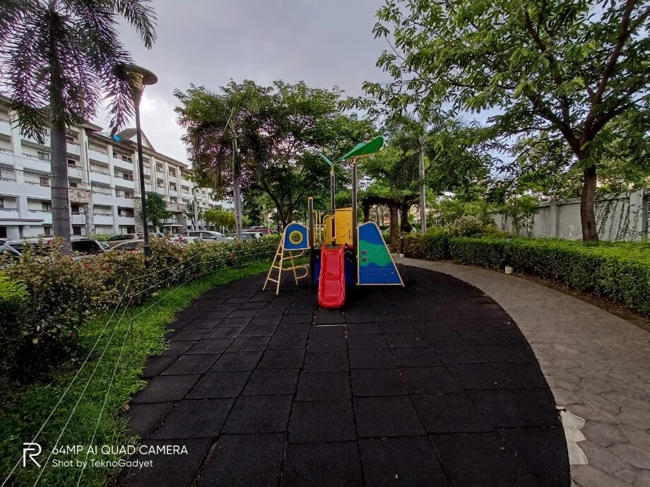 Realme 6 Camera Sample - Outdoor, Playground, Ultrawide