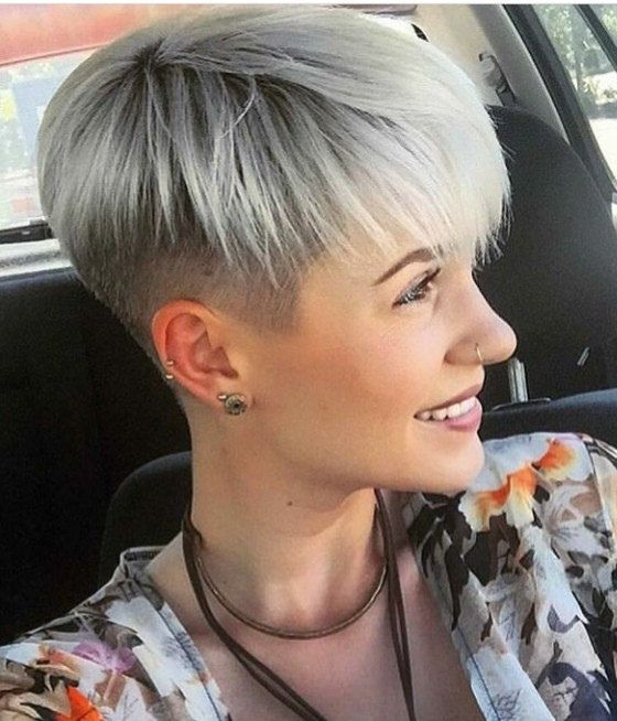 cheveux couleur, couleur de cheveux, couleur des cheveux, couleur cheveux, cheveux court, chatain clair naturel, shampooing,