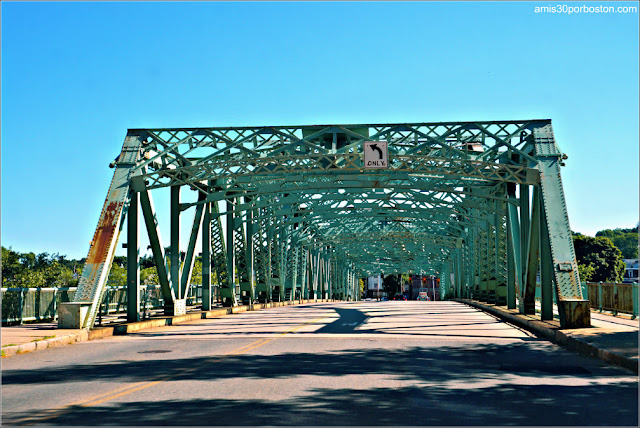 Cox Bridge, Lowell