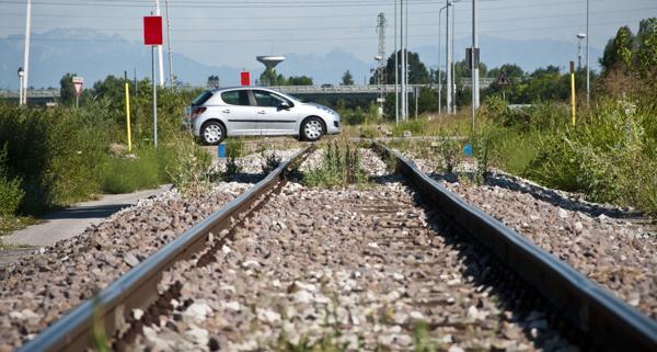 Que faire si ma voiture tombe en panne sur les rails du train
