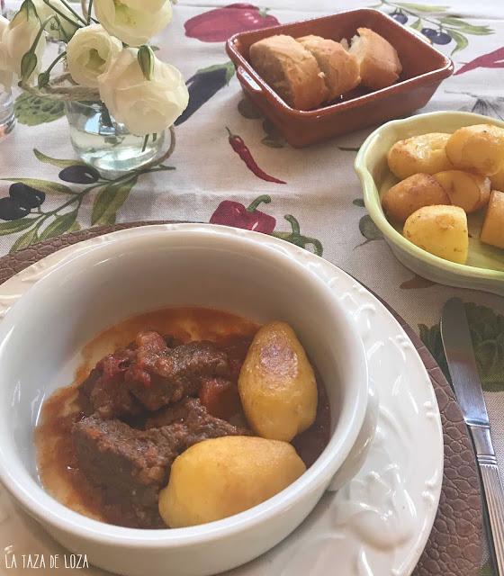 Carne-guisada-de-ternera-con salsa