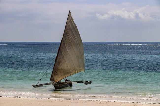 Dhow on Diani Beach, Kenya by Herbert2512/Pixabay