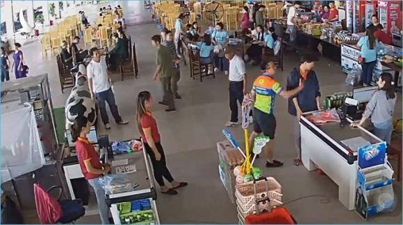 Thượng úy tát nhân viên trạm Hải Đăng: Ngành Công an cần xử lý nghiêm!