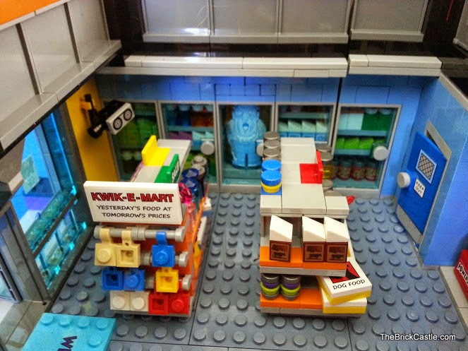LEGO Simpson's Kwik-E-Mart shop fridges and Jasper frozen 71016