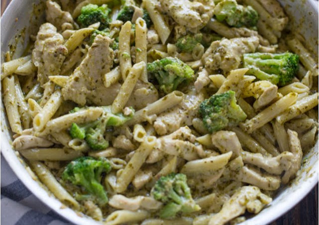 Creamy Chicken Pesto Pasta #dinner #pasta