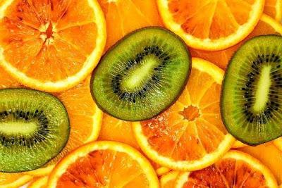 ايهما فيه فيتامينc  أكثر البرتقال أوالكيوي