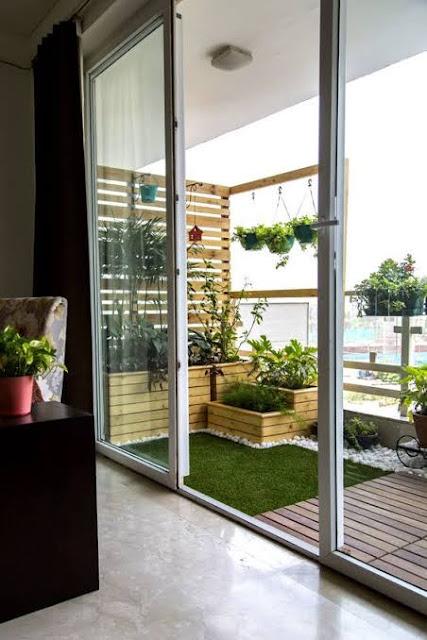 Dekorasi Balkon Cantik Pot Tanaman Gantung
