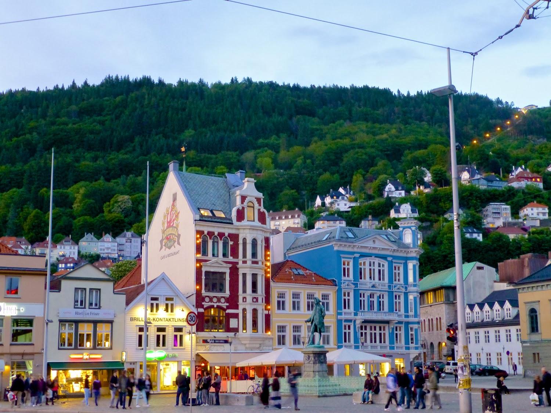 Anochece en Bergen