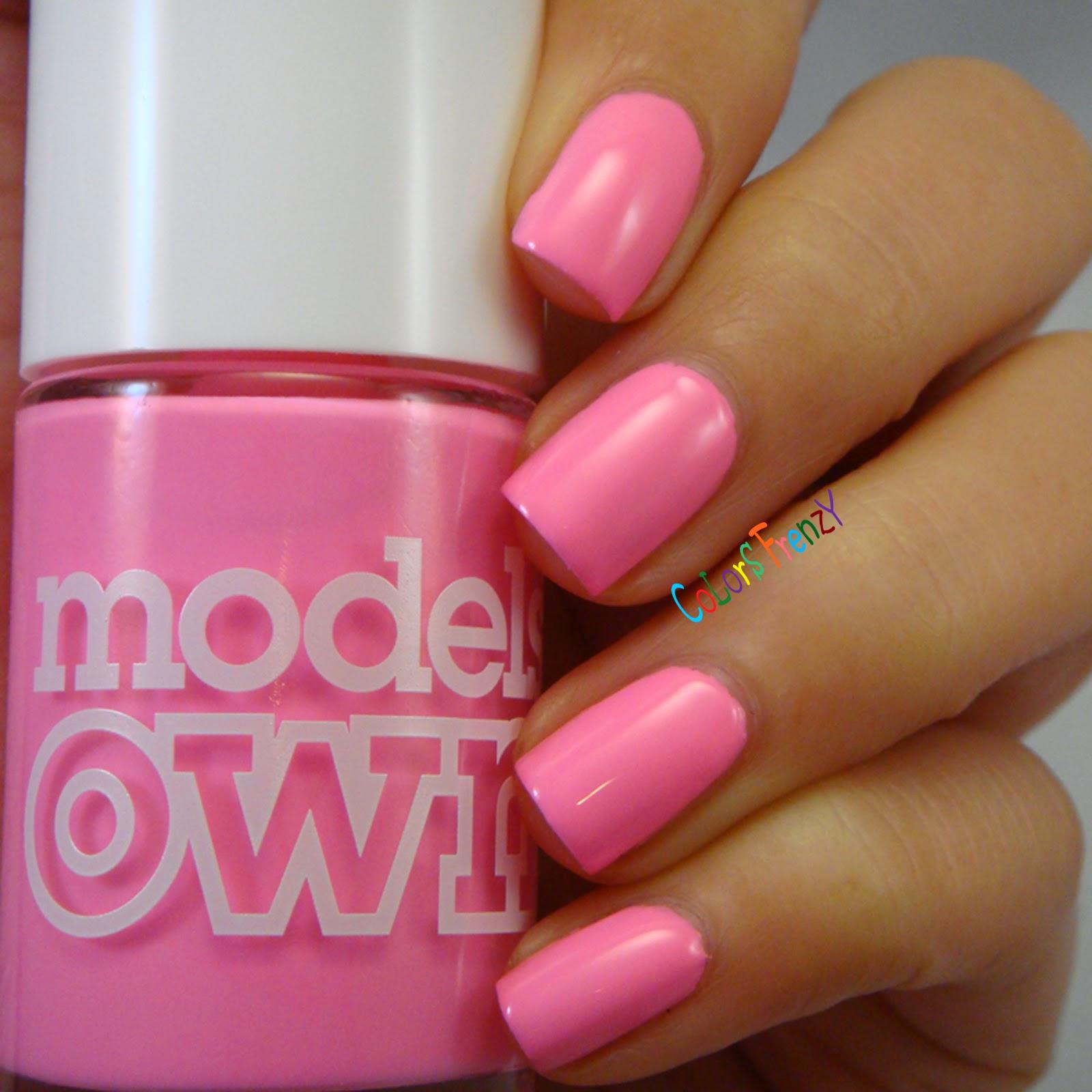 Models flip nail