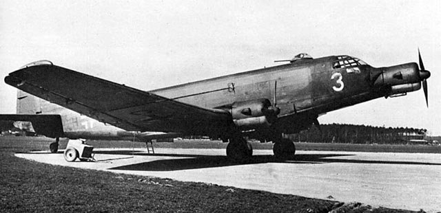 Luftwaffe Ju 352 transport worldwartwo.filminspector.com