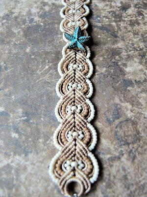 Patina starfish macrame bracelet in neutrals.