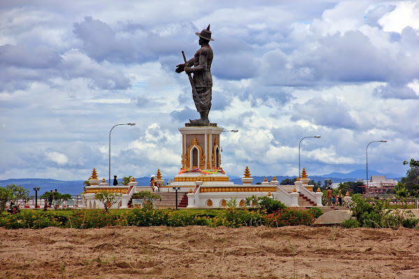 Chao Statue Park Vientiane Anouvong