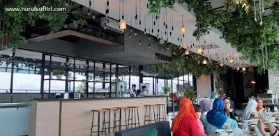 tre monti sky lounge restaurant kuliner tempat makan romantis yang hits di kota bogor nurul sufitri travel lifestyle blogger review