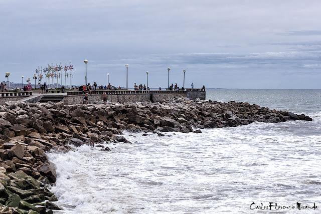 Imagen desde la costanera Marplatense al caer la tarde