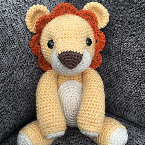 Laurence the Lion - Free Amigurumi Pattern