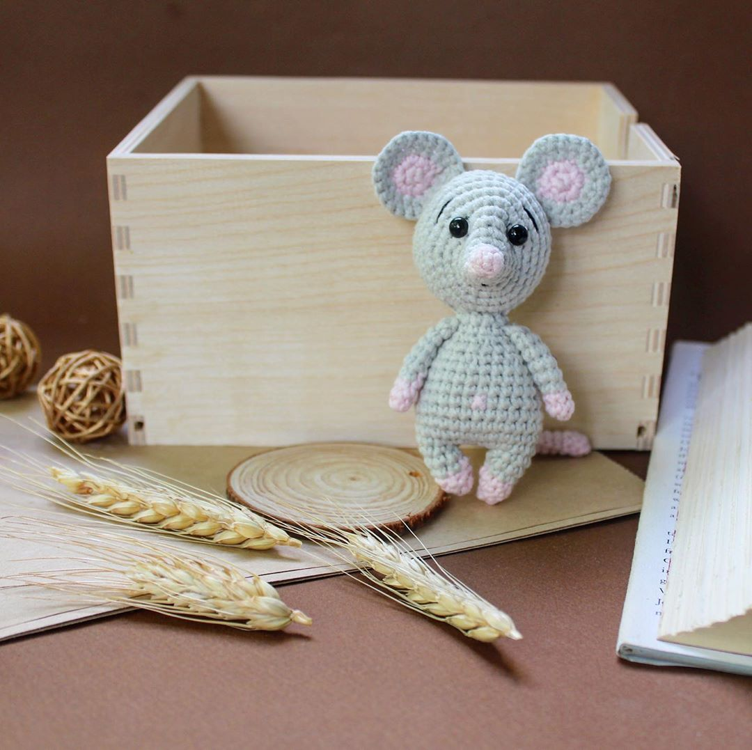Crochet Amigurumi Mouse With Video Tutorial | 1077x1080