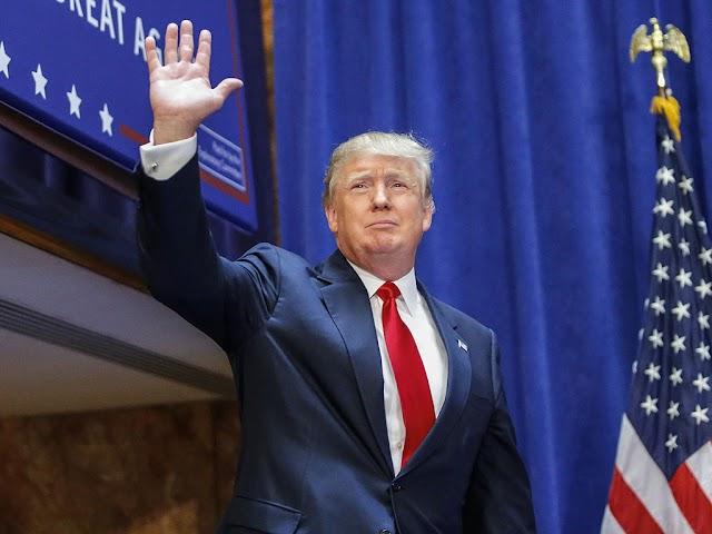 Trump lanza pedrada a la democracia de EE.UU y se libra de ataques feministas