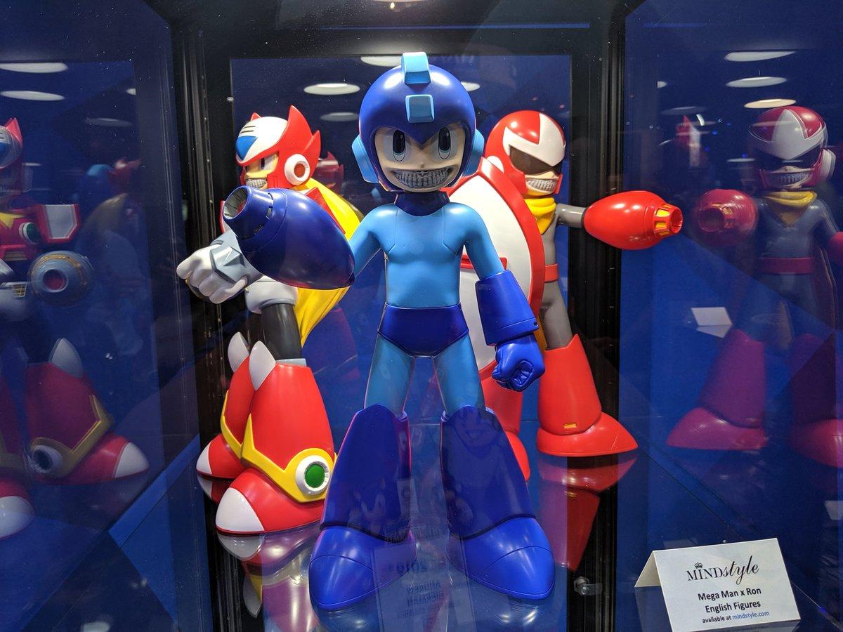 Mega Man vs Elec Man Electronic Boss Battle Figure Set With Battle Sounds