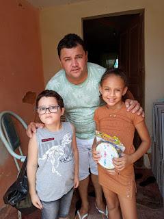 Em Guarabira PB Roberto souza (Roberto 100¢ distribuiu presentes com crianças neste domingo.