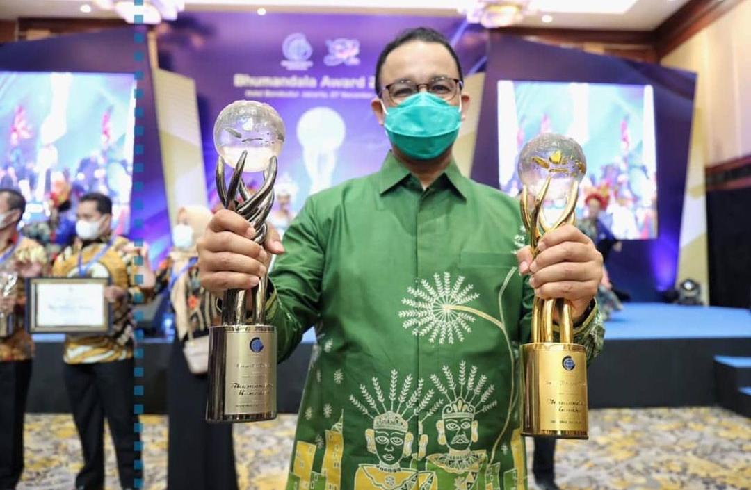 Anies Dapat Penghargaan Gubernur Inspirasi Indonesia