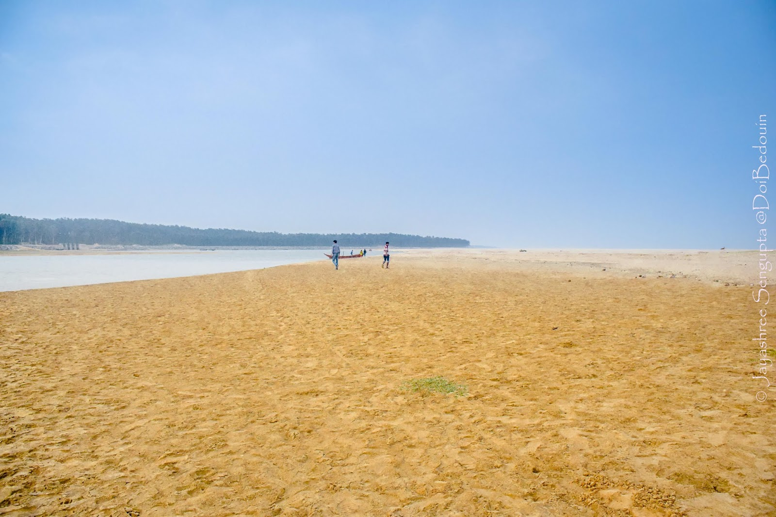 Unwind from the daily blues and jump into the yellow dunes along the beach here at Talsari doibedouin