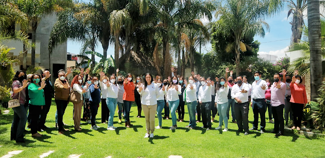 Devolver CAIC a ubicaciones originales,  e internet para escuelas públicas propone Ana Cristina Ruiz