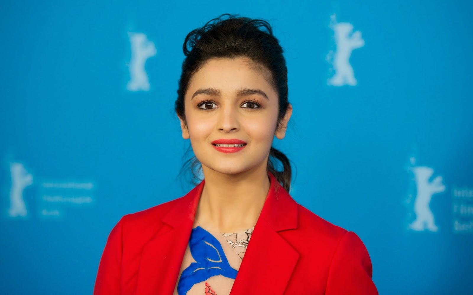 Alia Bhatt HD Pictures | Alia Bhatt HD Wallpapers
